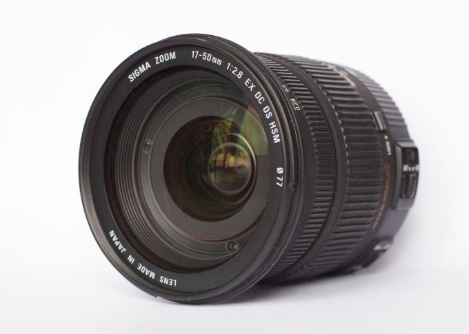 sigma_17-50mm_f2-8_ex_dc_os_hsm_04.jpg