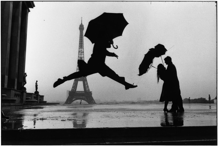 Elliott_Erwitt_France_Paris_1989_tour_eiffel_100th_anniversary_03-1