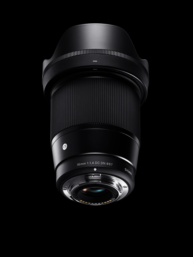 Sigma-16mm-f1.4-DC-DN-Contemporary-Sony-E-mount-Micro-Four-Thirds-3
